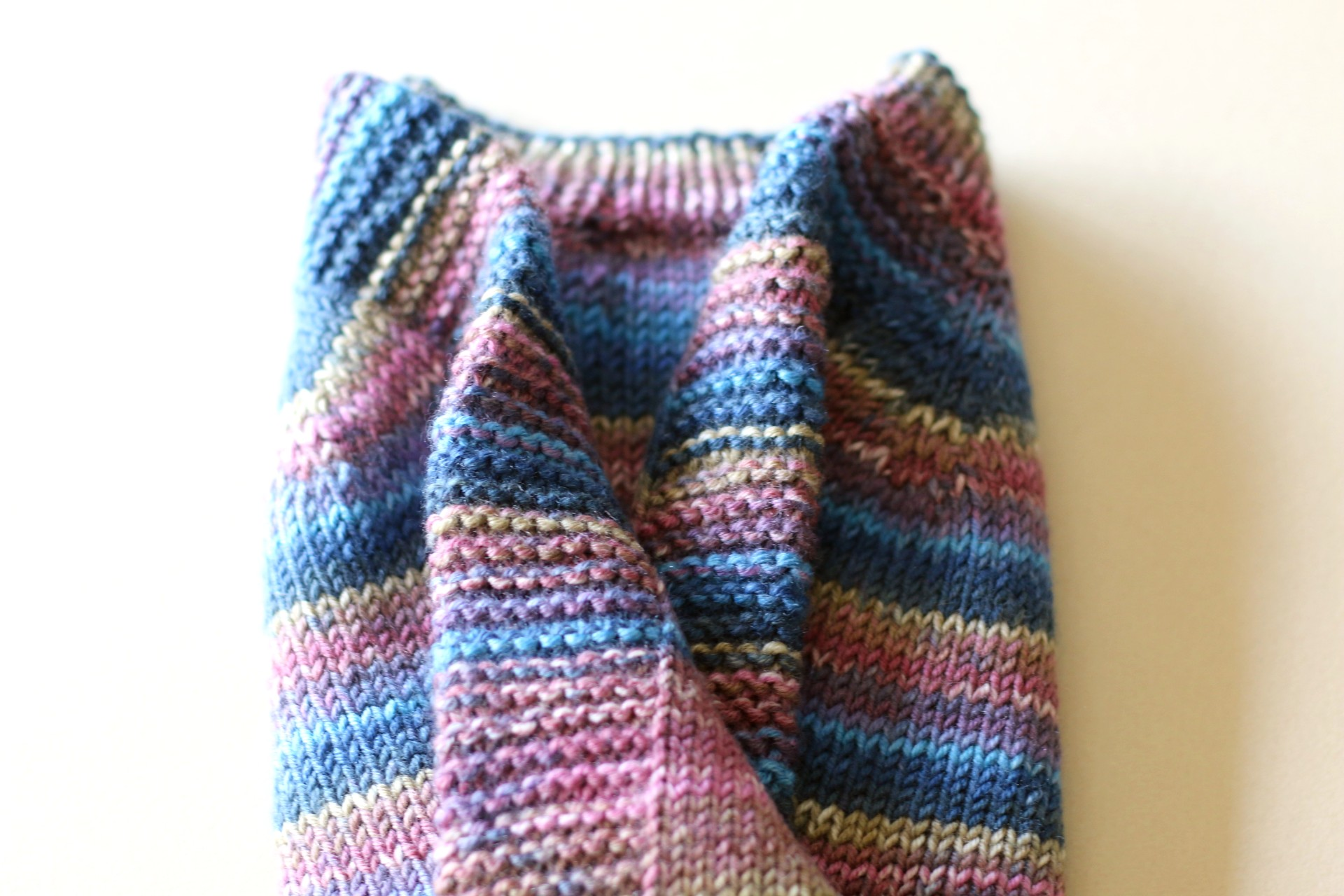 knitting-sweater-for-baby